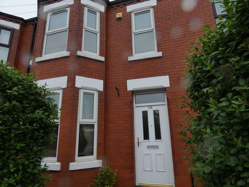 3 Bedrooms Terraced House for sale in Derby Road, Salford, Greater Manchester, M5