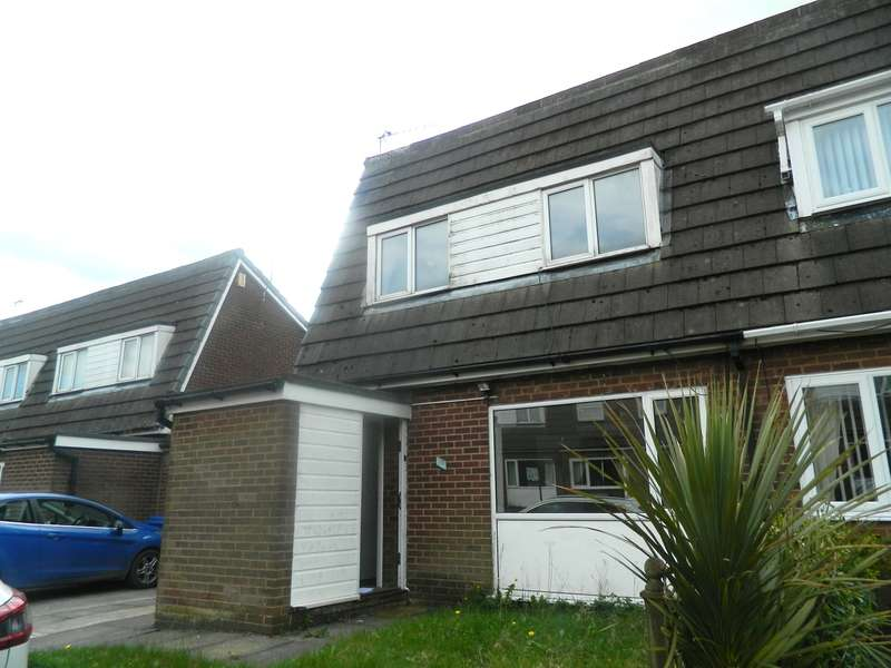 3 Bedrooms Semi Detached House for sale in Rectory Lane, Bury, BL9