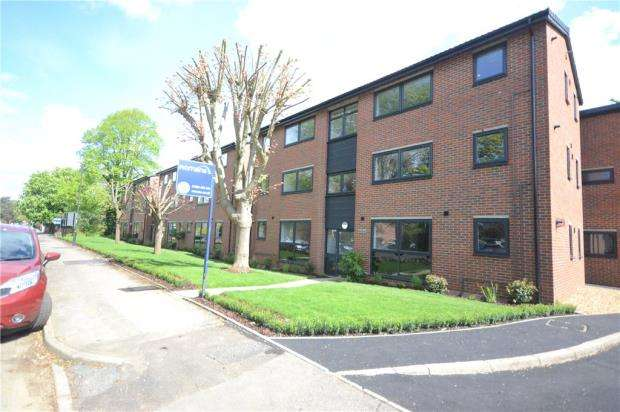 1 Bedroom Apartment Flat for sale in Ray Park Avenue, Maidenhead, Berkshire