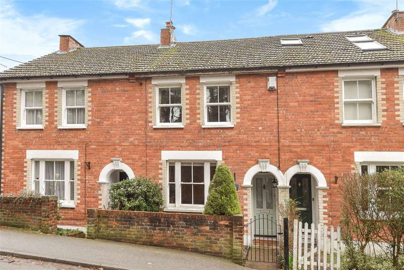 2 Bedrooms Terraced House for sale in Owlsmoor Road, Owlsmoor, Sandhurst, Berkshire, GU47