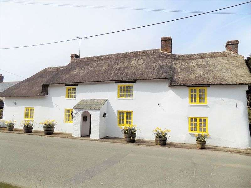 4 Bedrooms Property for sale in High Street, Winfrith Newburgh, Dorset