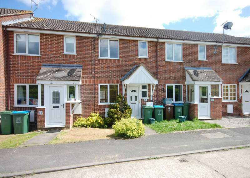 2 Bedrooms Terraced House for sale in Parrot Close, Aylesbury, Buckinghamshire