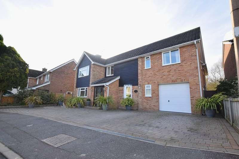 6 Bedrooms Detached House for sale in Meadway, Halstead, Essex