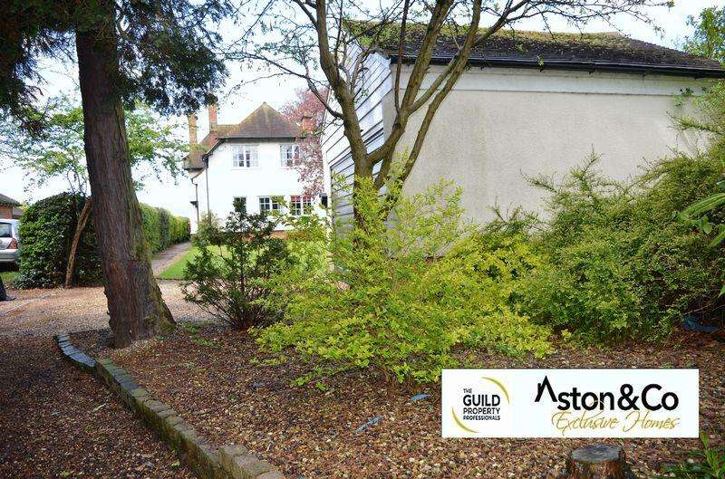 4 Bedrooms Detached House for sale in White Lodge, Fosse Way, Syston, Leicestershire