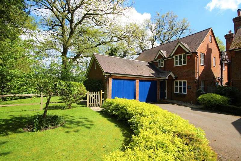 5 Bedrooms Detached House for sale in Lea Heath Way, Hurst