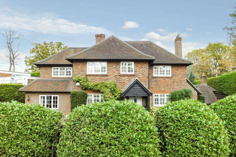 4 Bedrooms Detached House for sale in SUTTON GREEN