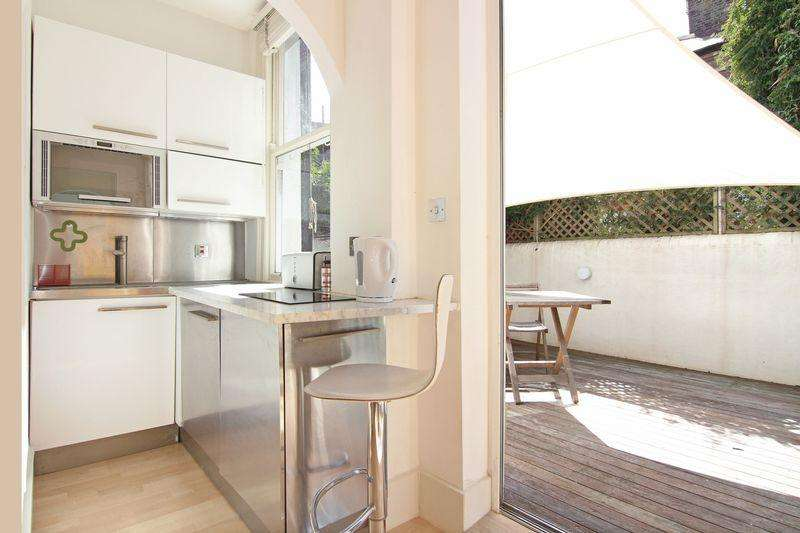 1 Bedroom Apartment Flat for sale in Lovely well presented ground floor share of Freehold garden flat