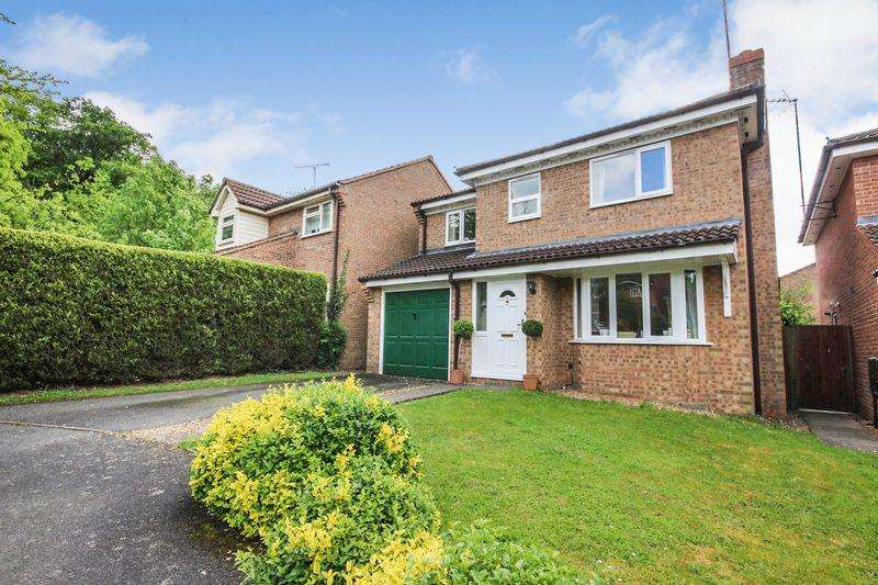 4 Bedrooms Detached House for sale in Rushbrook Close, Ampthill