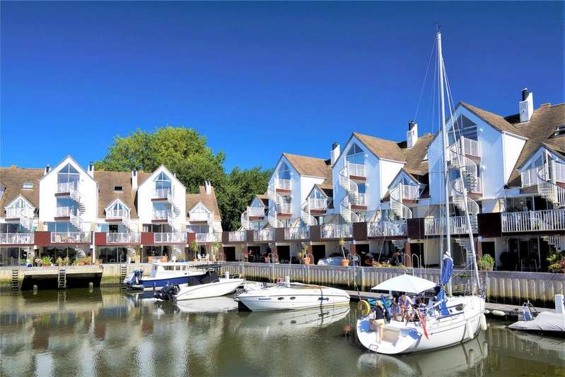 4 Bedrooms Mews House for sale in Priory Quay, Quay Road, Christchurch, Dorset, BH23