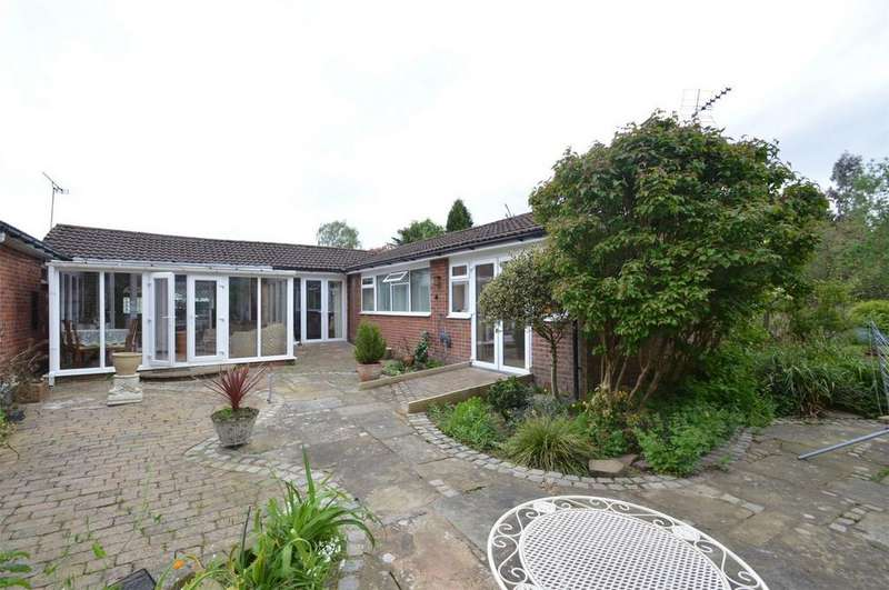 3 Bedrooms Semi Detached Bungalow for sale in Greenoak Drive, SALE, Greater Manchester