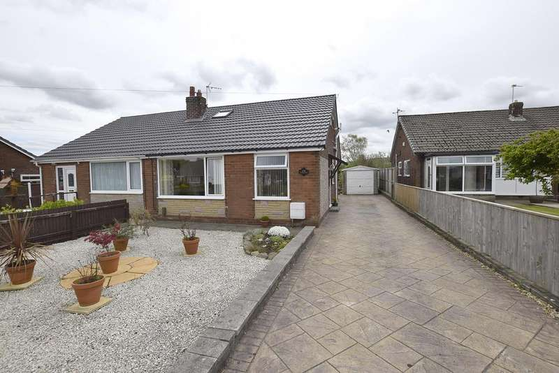 3 Bedrooms Semi Detached Bungalow for sale in Victoria Road, Padiham, BB12