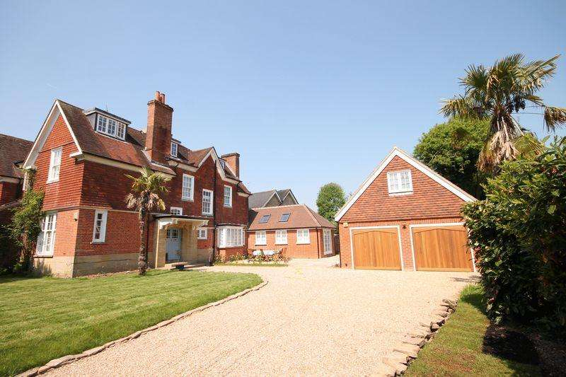 5 Bedrooms Semi Detached House for sale in Denmans Lane, Lindfield, West Sussex