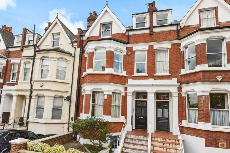 2 Bedrooms Flat for sale in Lyncroft Gardens, West Hampstead