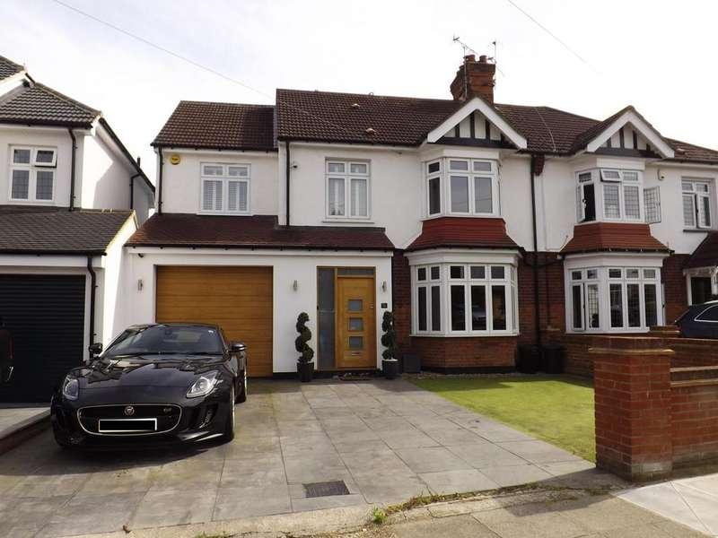 5 Bedrooms Semi Detached House for rent in 76 Deyncourt Gardens, Upminster, Essex, RM14 1DG