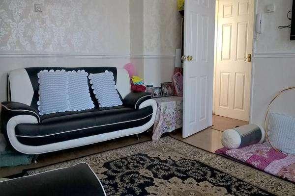 3 Bedrooms Terraced House for rent in CHARLTON PARK LANE, CHARLTON, LONDON SE7