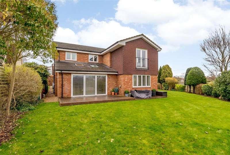 5 Bedrooms Detached House for sale in Burywick, Harpenden, Hertfordshire