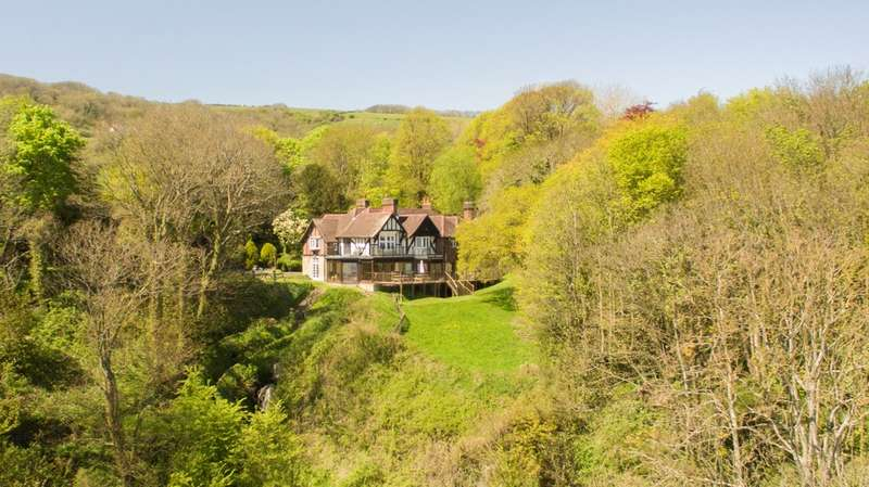 6 Bedrooms House for sale in Luccombe Chine, Isle Of Wight