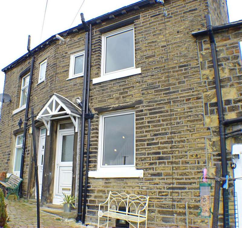 2 Bedrooms Terraced House for rent in Lower Skircoat Green, Halifax