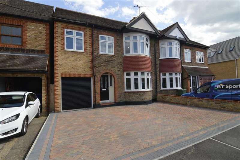 4 Bedrooms Semi Detached House for sale in Fobbing Road, Corringham, Essex