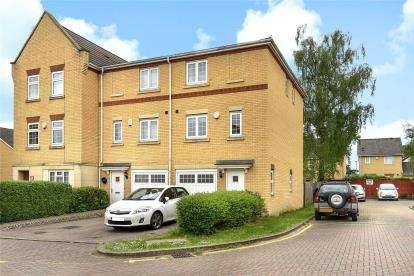 3 Bedrooms Semi Detached House for sale in Barkway Drive, Locksbottom