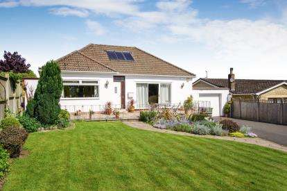 3 Bedrooms Bungalow for sale in Charfield Hill, Charfield, Wotton-Under-Edge, Gloucestershire
