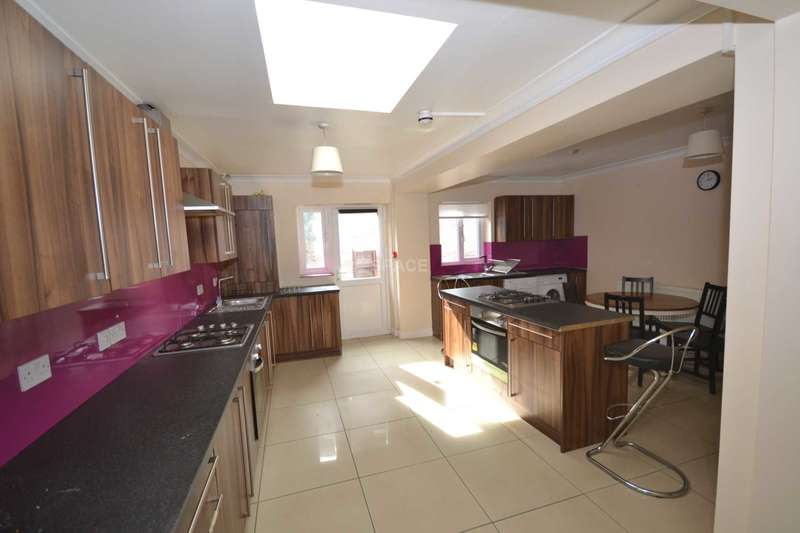 8 Bedrooms Semi Detached House for rent in St Peters Road, Reading, Berkshire, RG6 1PD