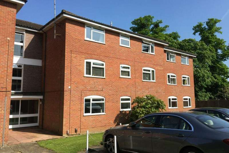 1 Bedroom Apartment Flat for sale in Cobblers Close, Farnham Royal, SL2 3DT - 999 year lease