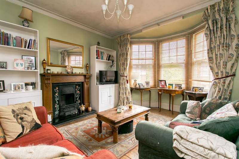4 Bedrooms Flat for sale in Babington Road, Streatham