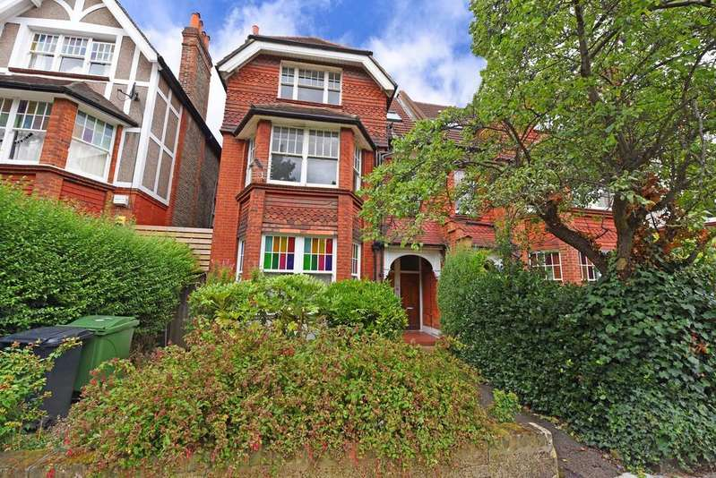 2 Bedrooms Flat for sale in Riggindale Road, Streatham