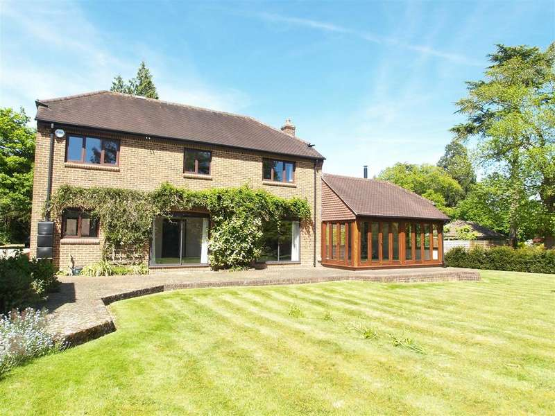 4 Bedrooms Detached House for sale in Peppard Common, Henley-on-Thames
