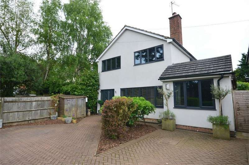 4 Bedrooms Detached House for sale in 9 Park Road, Stansted