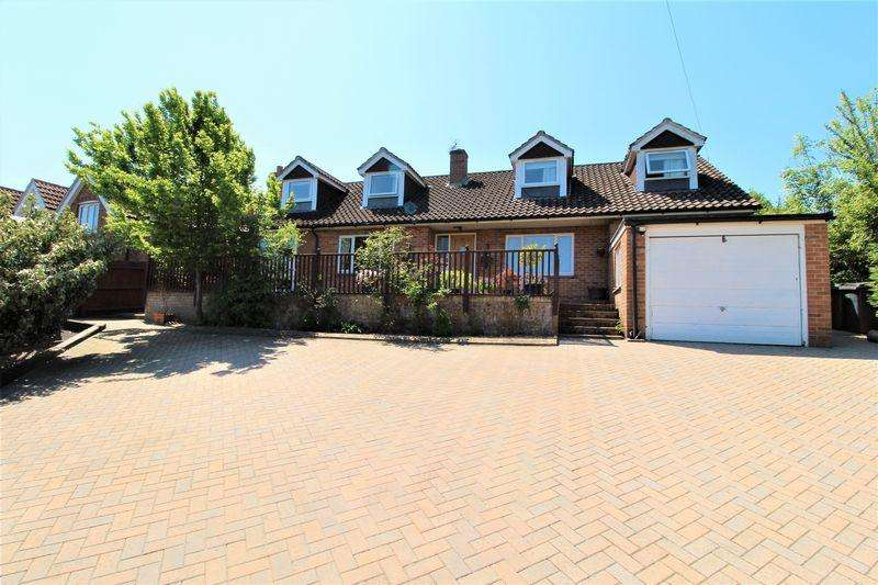 5 Bedrooms Detached House for sale in New Road Hill, Midgham Reading