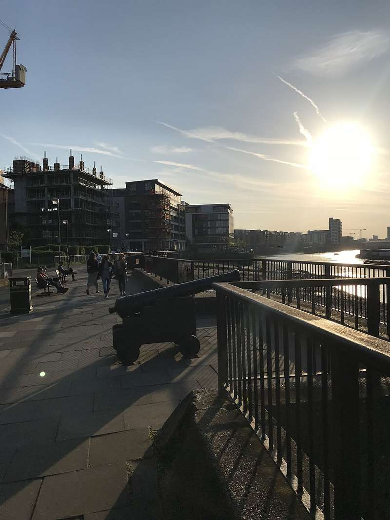3 Bedrooms Apartment Flat for sale in Wood Wharf Apartments, Horseferry Place, London, London, SE10 9BB