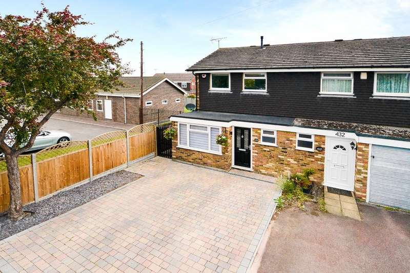 3 Bedrooms Semi Detached House for sale in Windsor