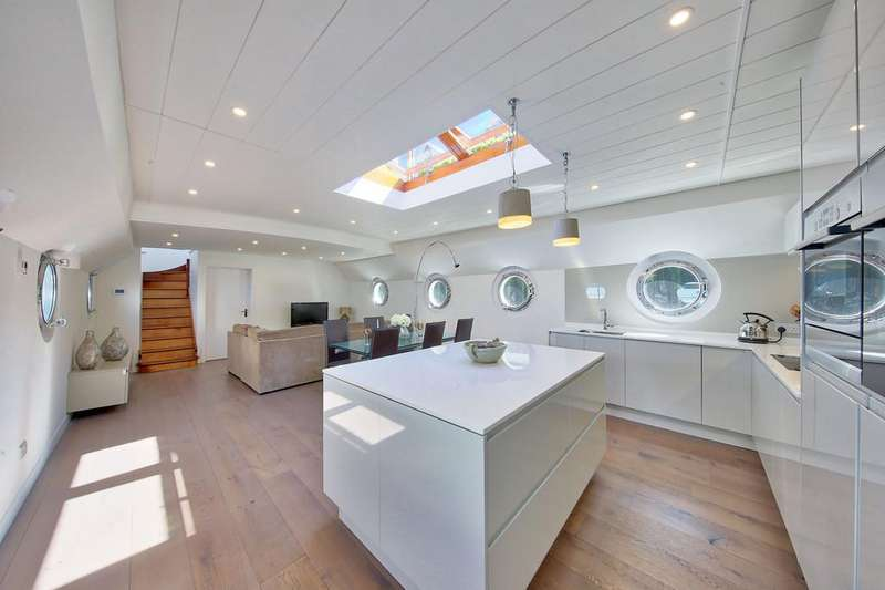 3 Bedrooms Chalet House for sale in Clove Hitch Quay, Plantation Wharf