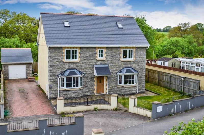 5 Bedrooms Detached House for sale in The Paddocks, Trelewis