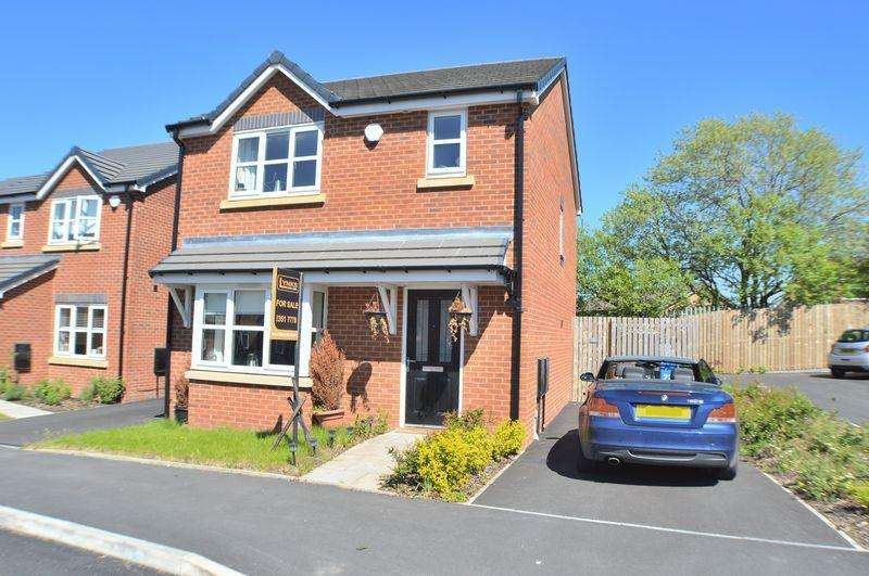 3 Bedrooms Detached House for sale in Rowan Crescent, Hyde