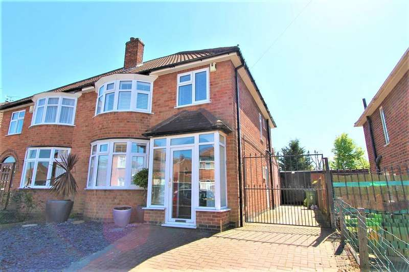 3 Bedrooms Detached House for sale in Bakewell Road, Wigston