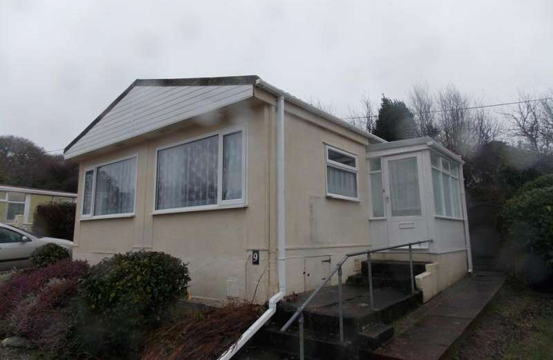 2 Bedrooms Property for sale in Twinbrook Park, Falmouth