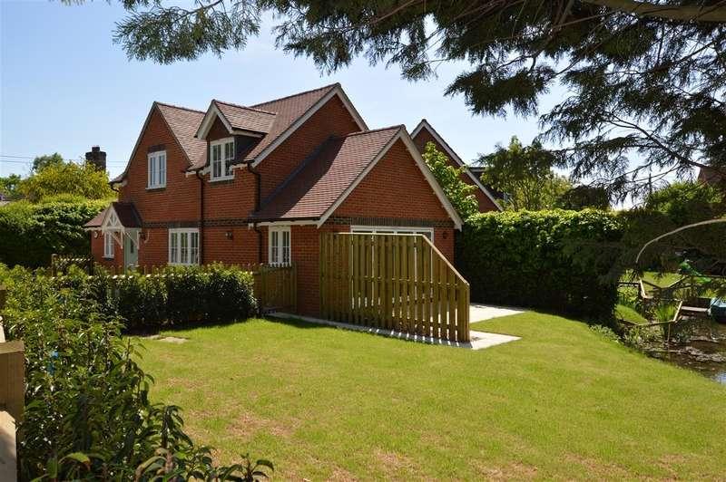 3 Bedrooms Detached House for sale in Sherborne St John, Basingstoke, RG24