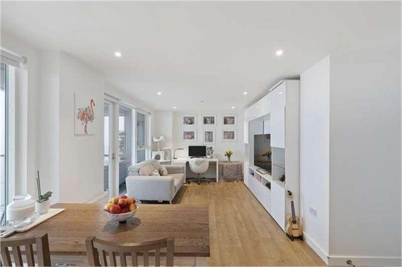 2 Bedrooms Flat for sale in Platinum Riverside, Greenwich, London