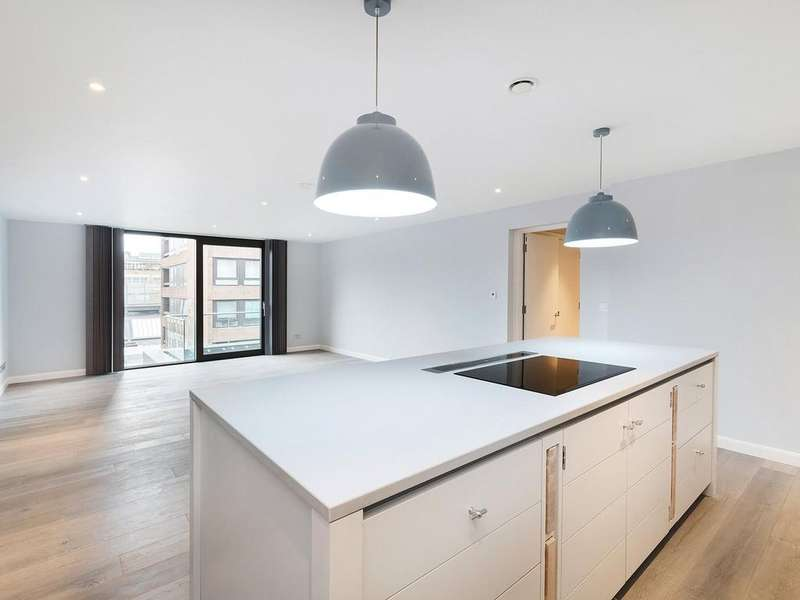2 Bedrooms Apartment Flat for rent in Stirling Court, Marshall Street, W1F