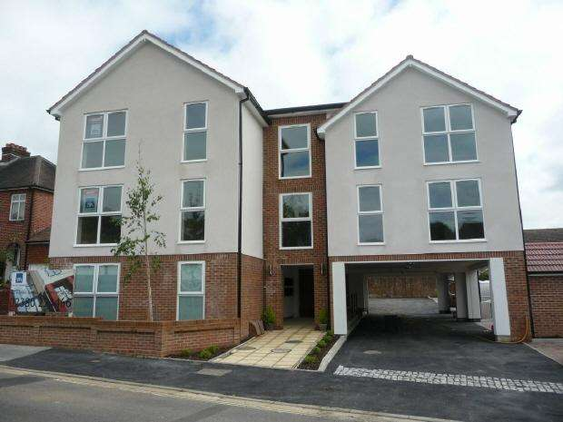 2 Bedrooms Flat for rent in FAREHAM -FLAT 3 TURNPIKE APARTMENTS - UNFURN