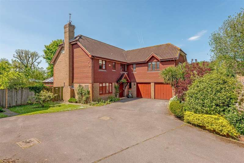 5 Bedrooms Detached House for sale in Beechwood, Small Dole, West Sussex