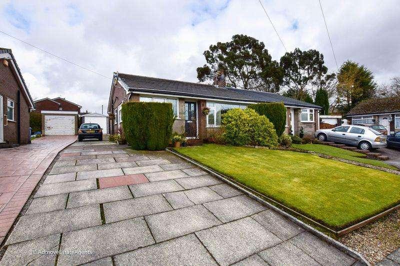 2 Bedrooms Bungalow for sale in Elland Close, Bury