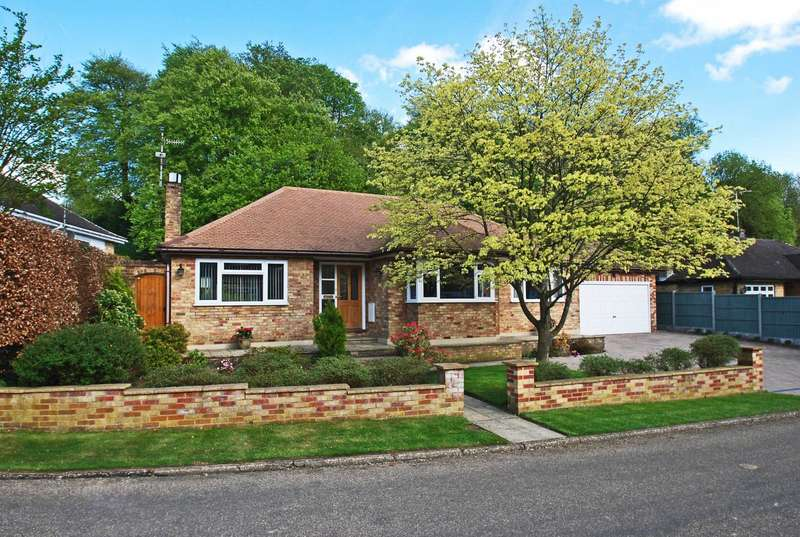 4 Bedrooms Detached Bungalow for sale in Cherry Drive, Forty Green, Beaconsfield, HP9