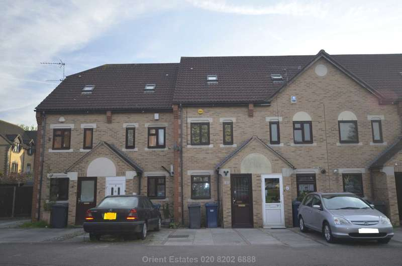 3 Bedrooms Semi Detached House for sale in Swan Drive, Colindale