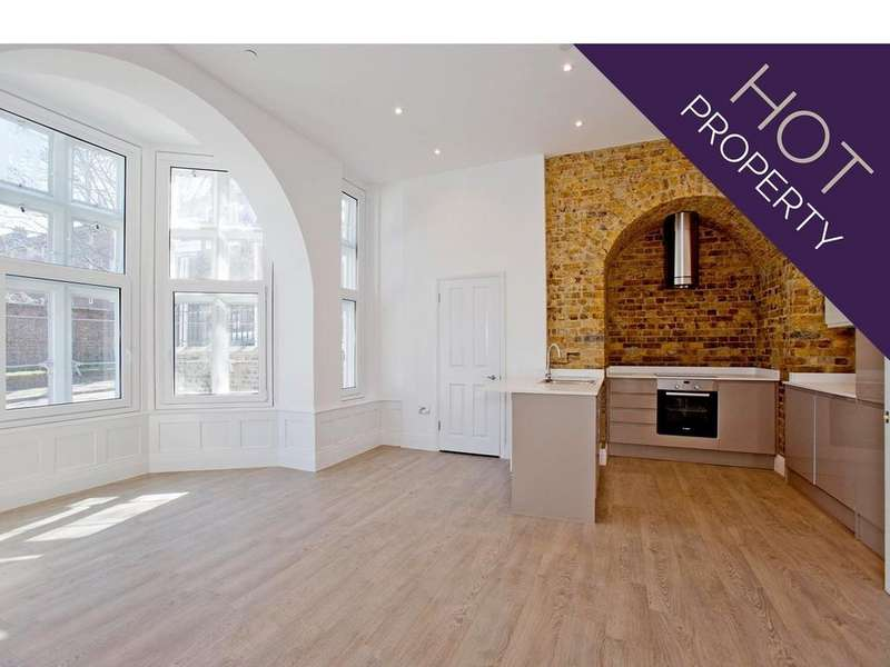 2 Bedrooms Flat for sale in Sunbury Street, London SE18