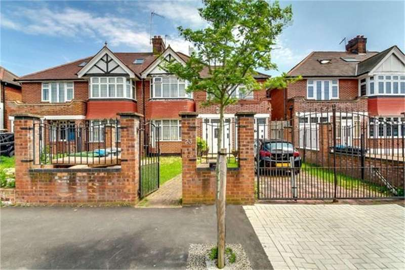4 Bedrooms Semi Detached House for sale in Dicey Avenue, London