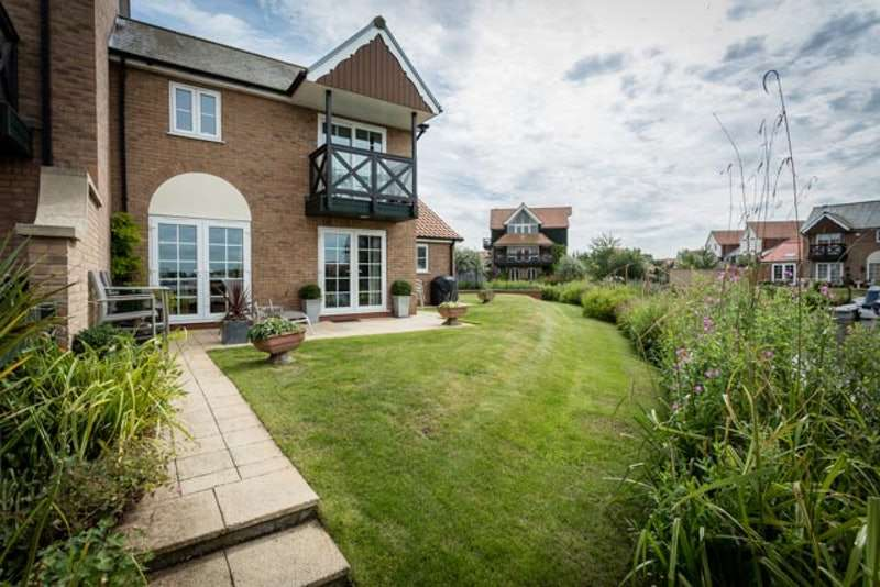 3 Bedrooms Town House for sale in Bridge Walk, Lincoln, Lincolnshire, LN1